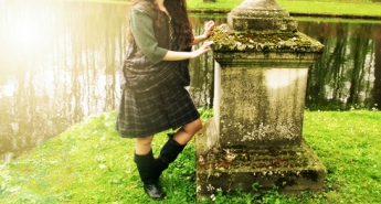 Outlander inspired costume the kilt way!